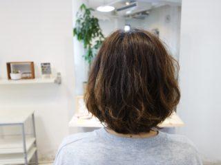 髪の長さは変わらないけど違うヘアスタイルになれますか?
